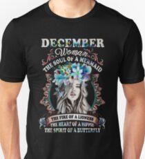 DECEMBER WOMAN THE SOUL OF MERMAID BLUE FLOWERS  Unisex T-Shirt