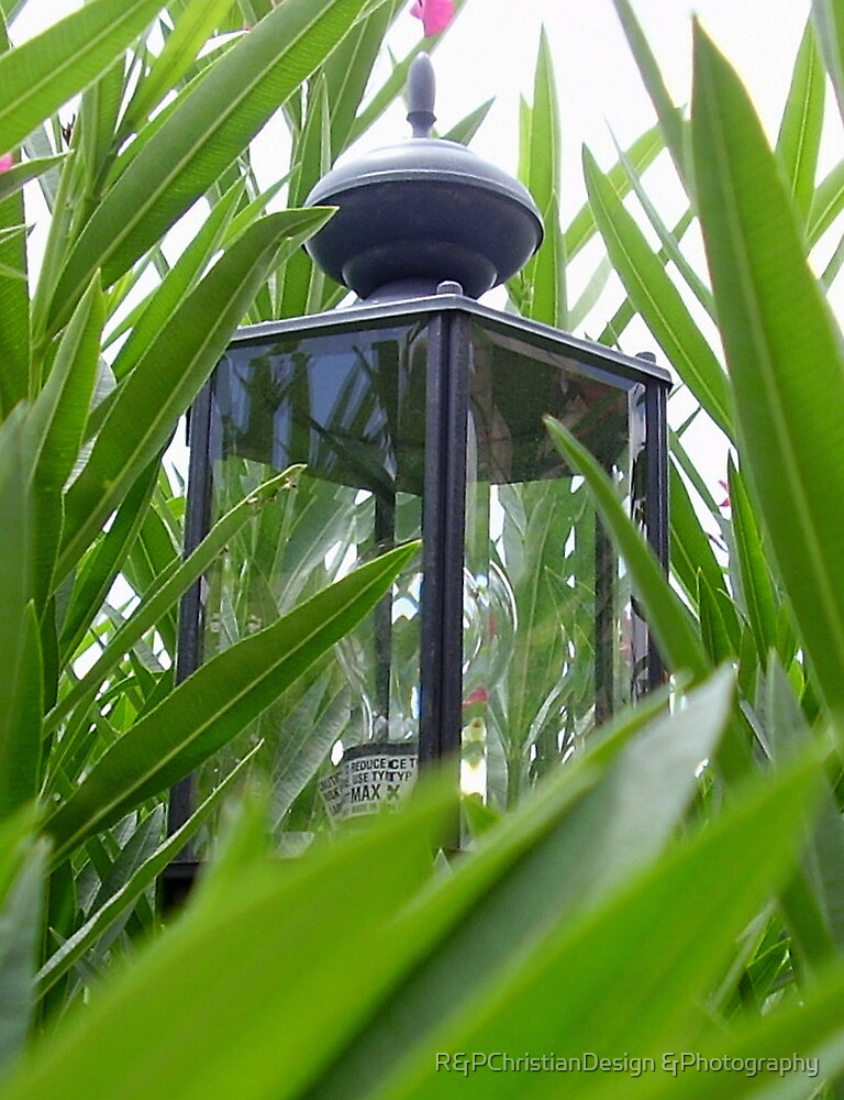Hidden Lamp by R&PChristianDesign &Photography