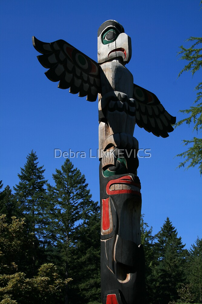 Totem by Debra LINKEVICS