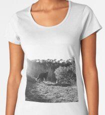 Las miradas de los lobos Women's Premium T-Shirt