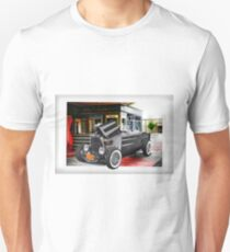 1932 Ford Roadster Pickup 'Old School Hot Rod' T-Shirt