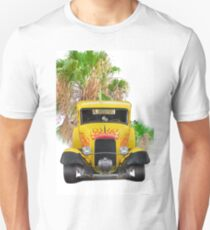 1932 Ford 'Five Window' Coupe 'Head-On' T-Shirt