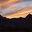 Sunset in between Sierra Nevada mountains by loiteke
