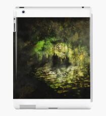 The Walls of Moria (The riddle upon the door) iPad Case/Skin