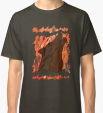 HOWL - WILD WOLF IN SILHOUETTE  Classic T-Shirt