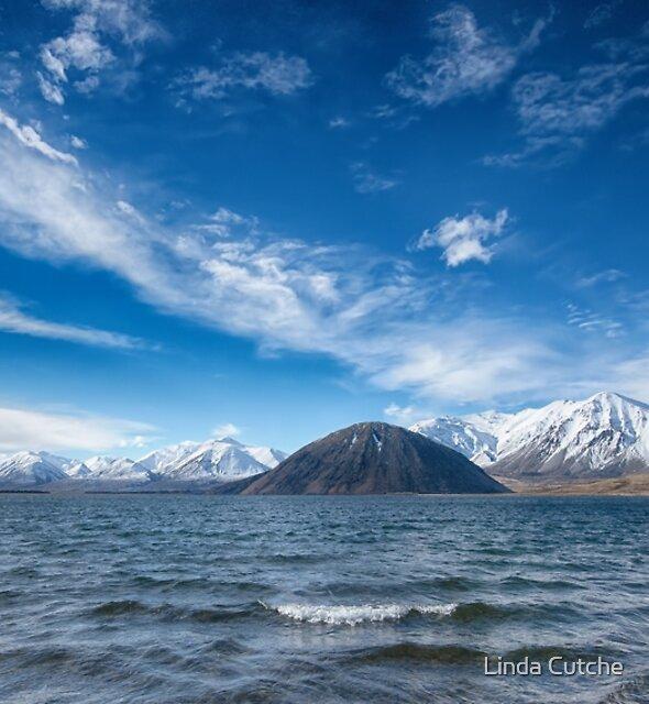 Mt Sugarloaf by Linda Cutche