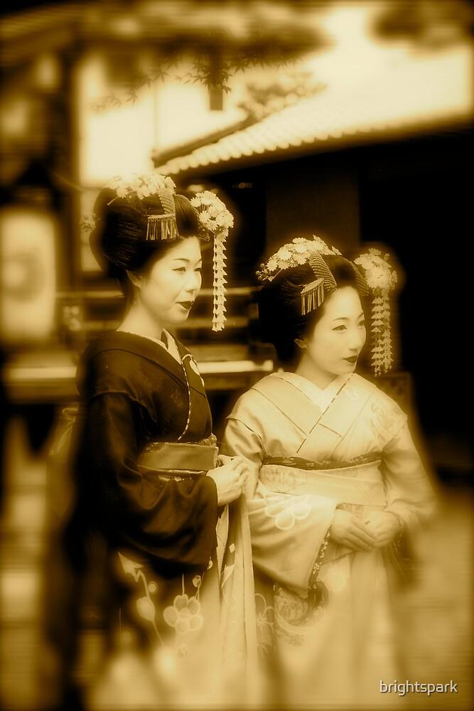 JAPANESE GEISHAS by brightspark