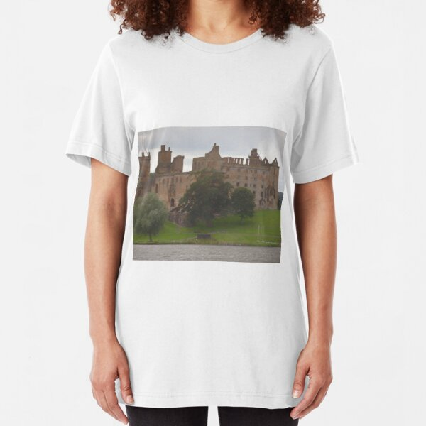 Linlithgow Palace , featured in the Outlander as Wentworth Prison  Slim Fit T-Shirt