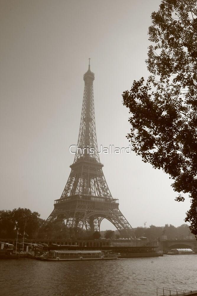 Eiffel (II) by Chris Jallard
