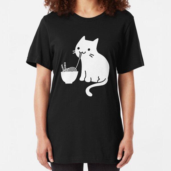 Lindo gato comiendo ramen Camiseta ajustada