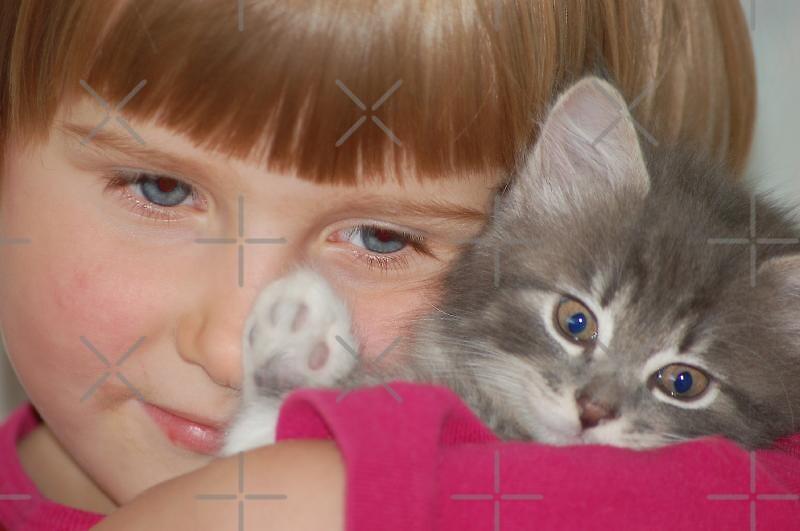 Girl with kitten by loiteke