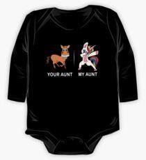 Ihre Tante meine Tante Lustiges niedliches eintauchendes Einhorn-T-Shirt Baby Body Langarm