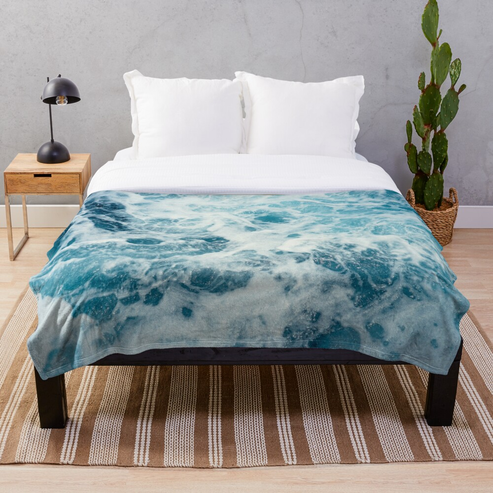 Sea Waves in the Ocean Throw Blanket