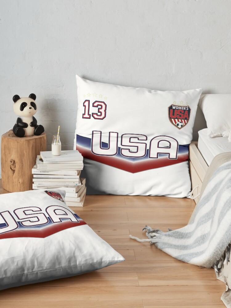 Alternative Ansicht von USA Soccer Female Team Nummer 13 Bodenkissen