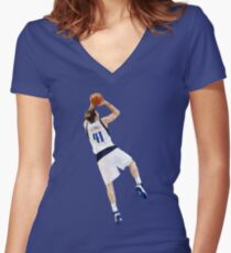 Dirk Nowitzki Fadeaway Women's Fitted V-Neck T-Shirt