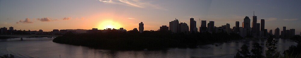 Panorama - Brisbane by Glenn Browning
