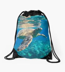 Large Sea Turtle, Marine Turtle, Chelonioidea, reptile animal swimming in clear and clean water Drawstring Bag