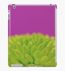 Green Button Spray Chrysanthemum iPad Case/Skin