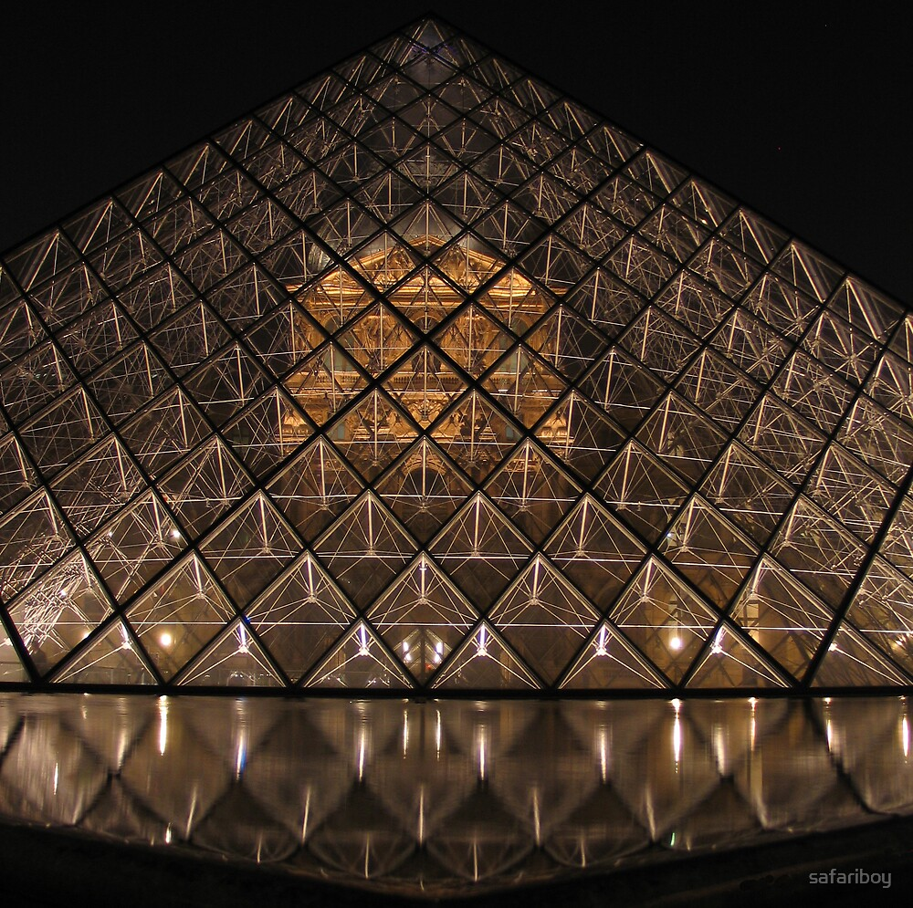 Louvre by Night by safariboy