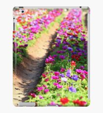 Spring tulips in many colors iPad Case/Skin