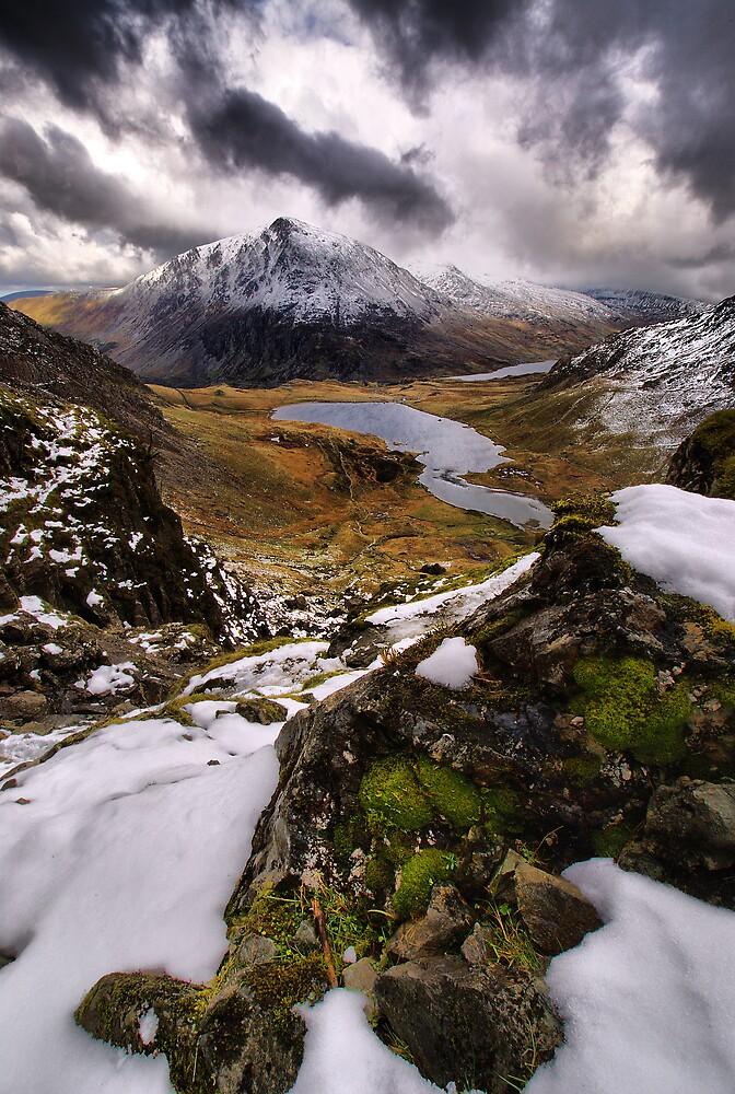 Snowy View of Llyn Idwal by Julian MacDonald