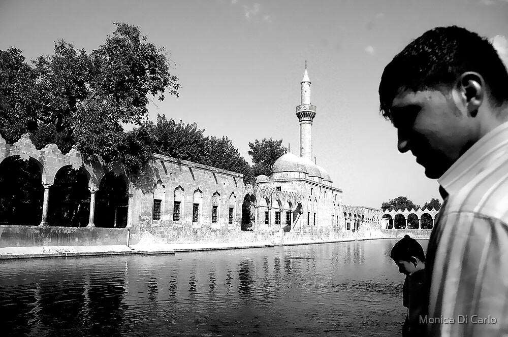 People in Urfa, Kurdistan, Turkey by Monica Di Carlo