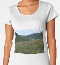 Field of foxgloves I Premium Scoop T-Shirt