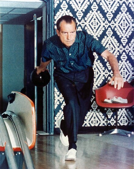 «Richard Nixon Bowling» de flippinsg