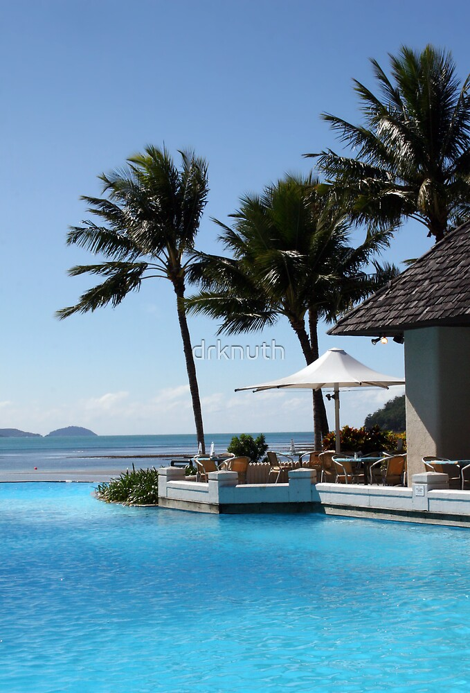 Pool and Sea Australian Resort by drknuth