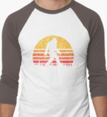 Retro Bigfoot Silhouette Sun Vintage  - Believe! Men's Baseball ¾ T-Shirt