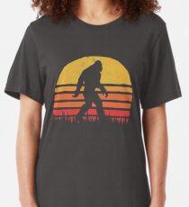 Rétro Bigfoot Silhouette Sun Vintage - Croyez! T-shirt ajusté