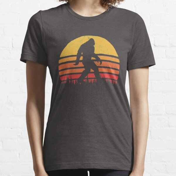 Retro Bigfoot Silhouette Sun Vintage  - Believe! Essential T-Shirt