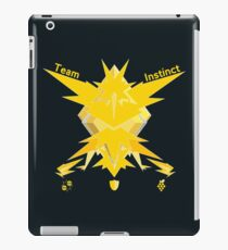 Team Instinct - Pokemon Go [Dark bkgd] iPad Case/Skin