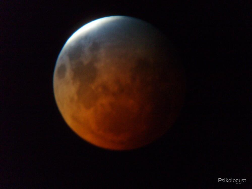 Lunar Eclipse by Psikologyst