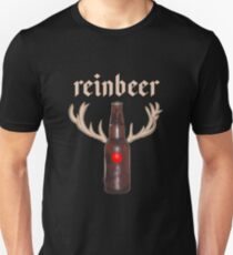 Reinbeer Reindeer Beer T-Shirt   Christmas Beer Bottle Slim Fit T-Shirt