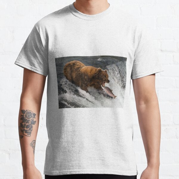 Bear about to catch salmon in mouth Classic T-Shirt