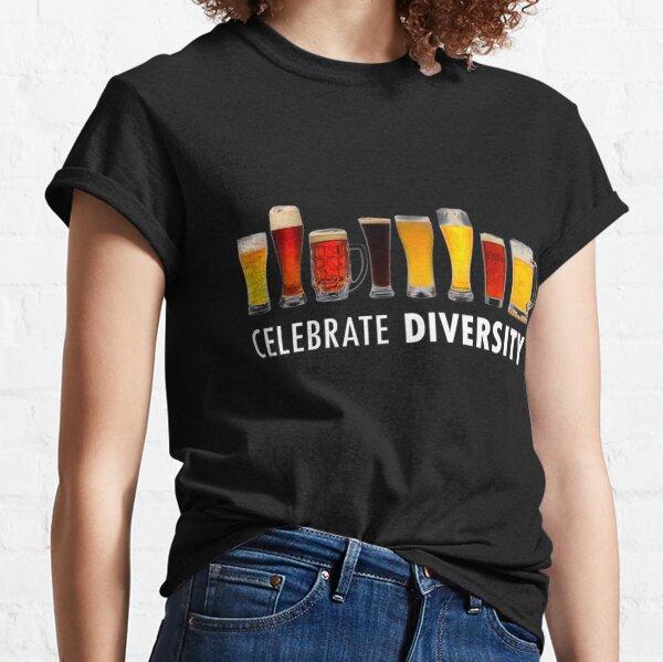 CÉLÉBRER LA DIVERSITÉ T-shirt classique