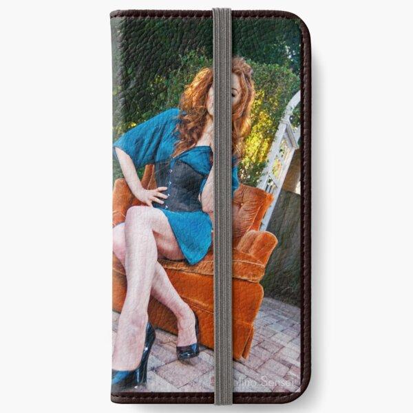 Jessamyne iPhone Wallet