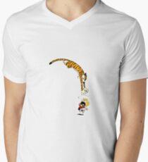 Hobbes pouncing on Calvin T-Shirt