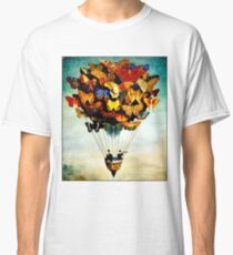 BUTTERFLY BALLOON : Vintage Abstract Painting Print Classic T-Shirt