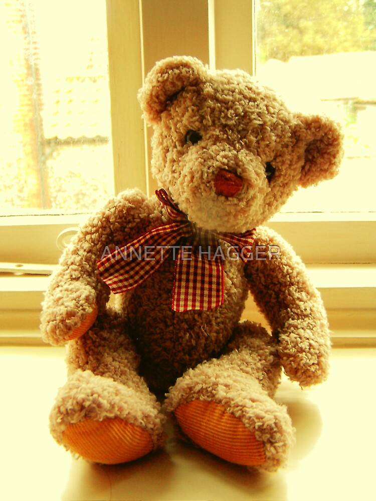 BIG TED LEANING by ANNETTE HAGGER