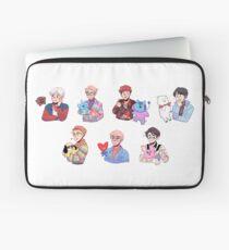 BTS with their BT21 friends!!! Laptop Sleeve