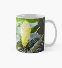 Yellow Leaf Ripples, Victoria BC Classic Mug
