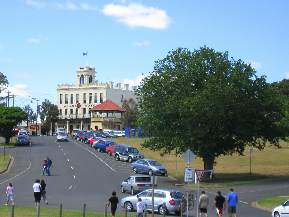 Grand Hotel Portarlington by Lee Revell