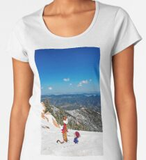 Calvin an Hobbes in Mountain Holiday Women's Premium T-Shirt