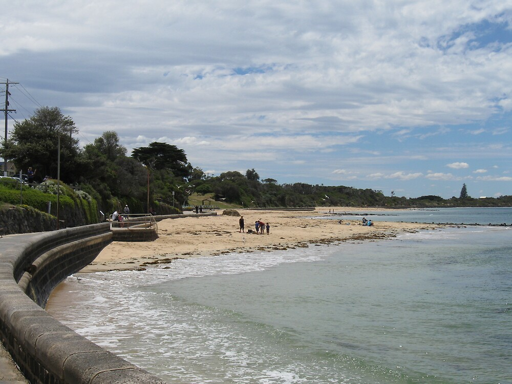 Point Lonsdale Beach by Lee Revell