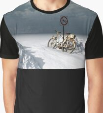 Bicycle in winter ... Graphic T-Shirt