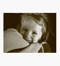 3 year old girl with blanket Photographic Print