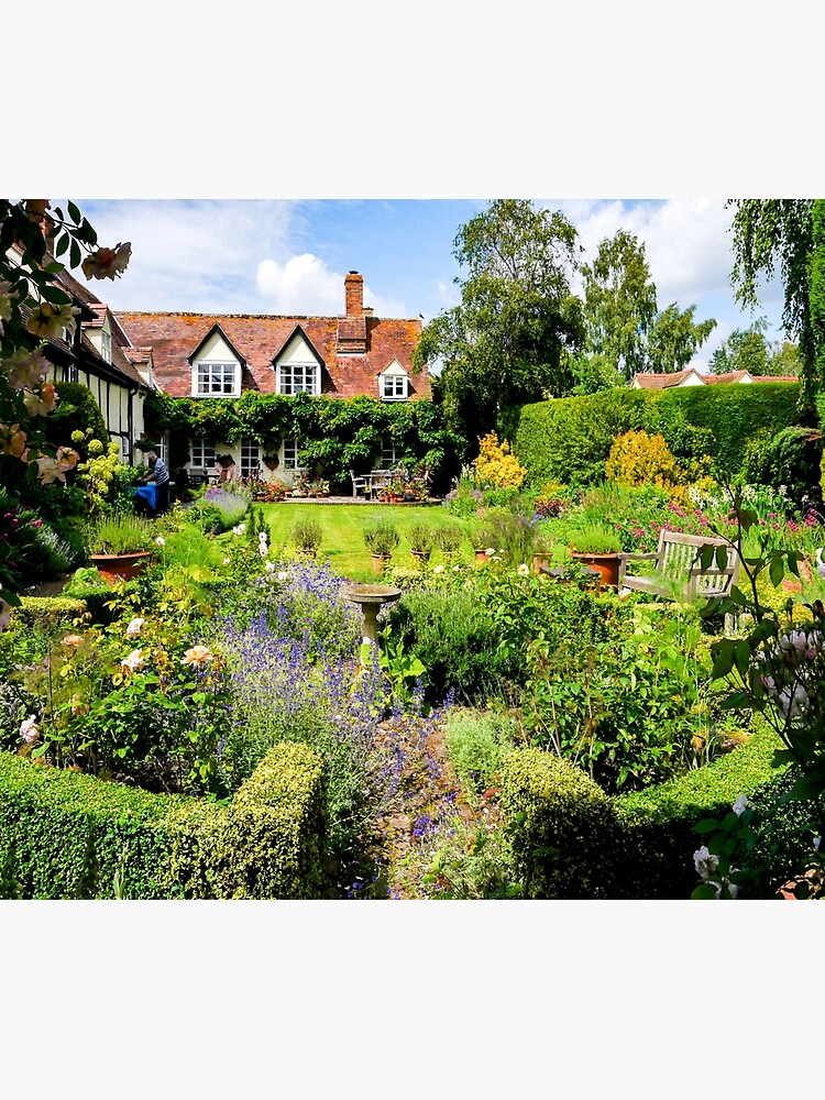 Cottage garden. by ScenicViewPics