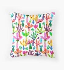 Jungle tropical garden - Fun palms pattern Throw Pillow
